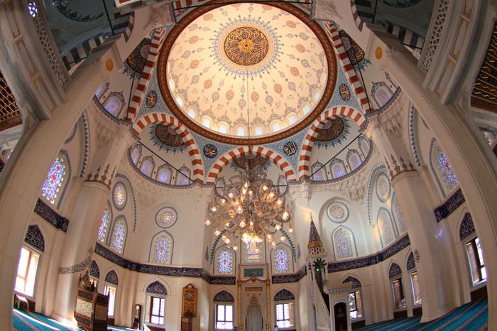 日本最大のモスク 東京ジャーミイ・トルコ文化センター